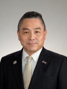 川田  哲